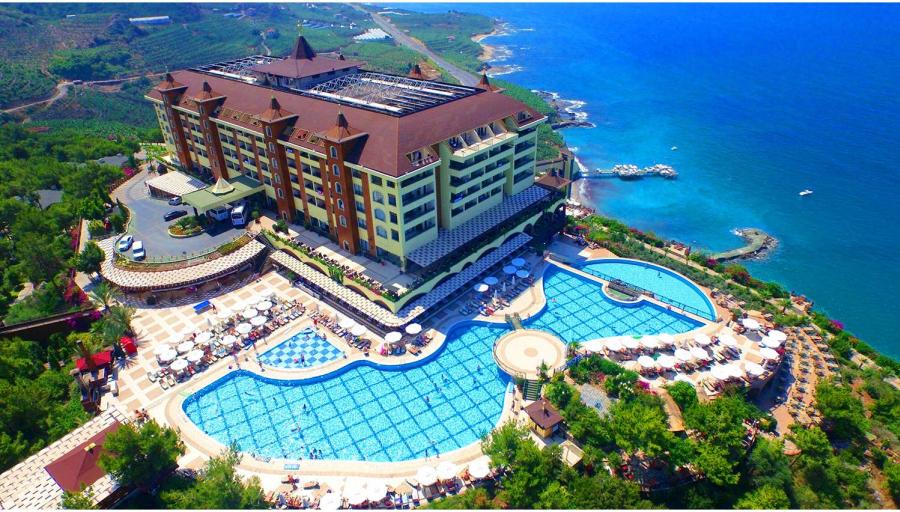 """Išskirtinės atostogos 5* """"Utopia World"""" viešbutyje su """"viskas įskaičiuota+"""" maitinimu Turkijoje!"""