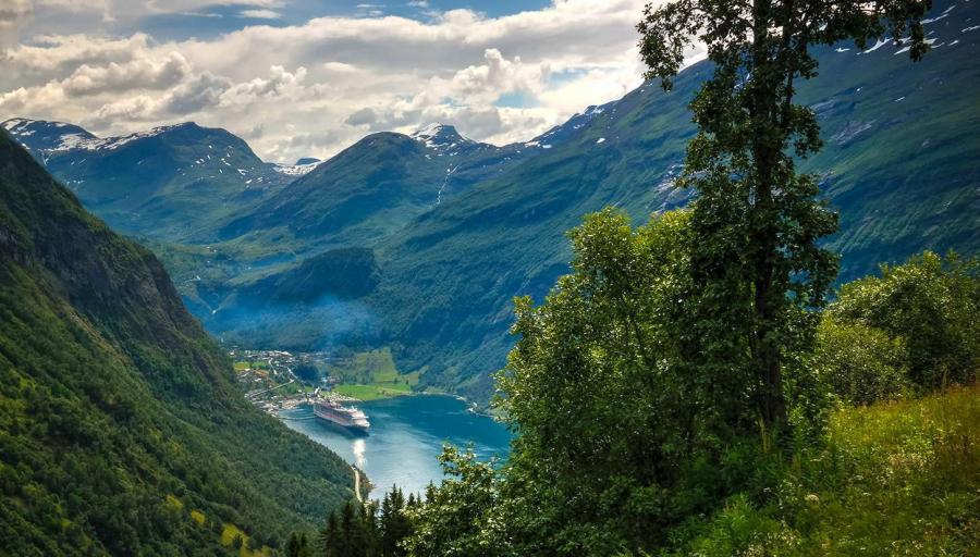 Išskirtinė 9 dienų pažintinė kelionė autobusu į Skandinavijos šalis – pažinkite Norvegiją, Švediją ir Daniją!