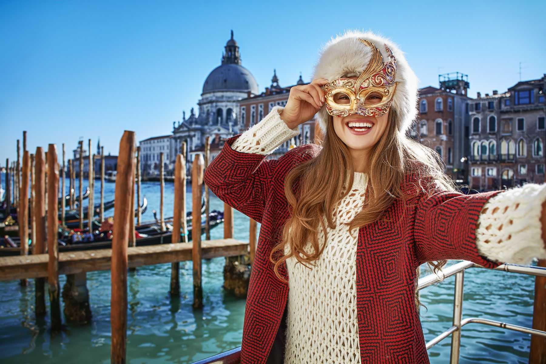 Keliaukite į Venecijos karnavalą! Kelionė nauju autobusu, 4 n. viešbučiuose su pusryčiais, 2 vakarienės ir ekskursinė programa!