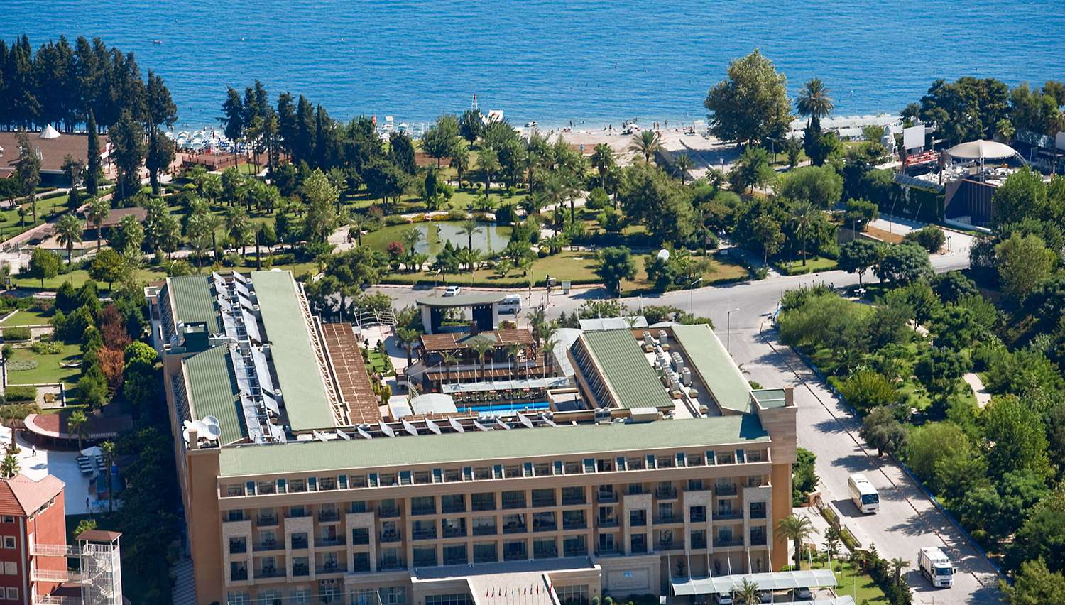 Crystal Deluxe Resort & SPA