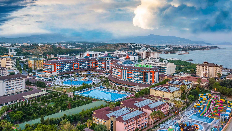 Imagini pentru Lonicera Resort & Spa Hotel