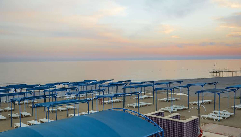 Senza Inova Beach