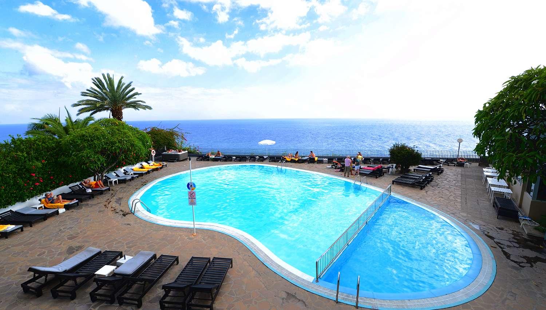 Duas Torres hotel (Madeira, Portugal) | NOVATURAS