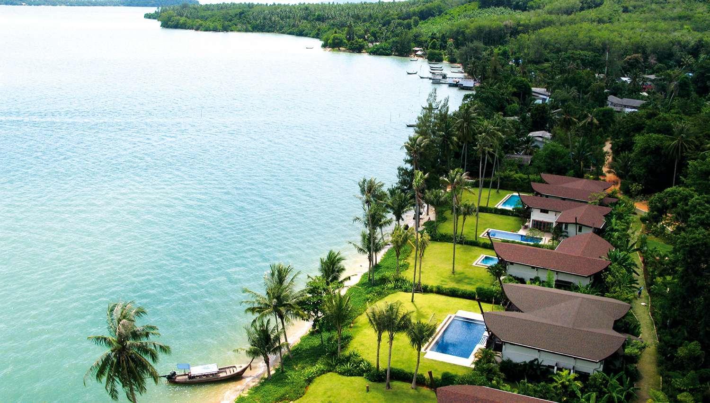 The Village Coconut Island (Phuket, Taizeme)