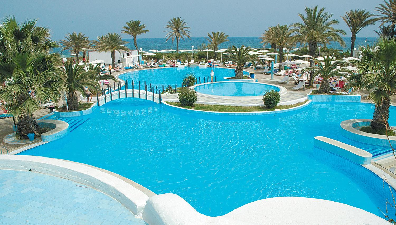 El Mouradi Skanes 4, Tunisia: reviews, room description, entertainment, service, beach 24