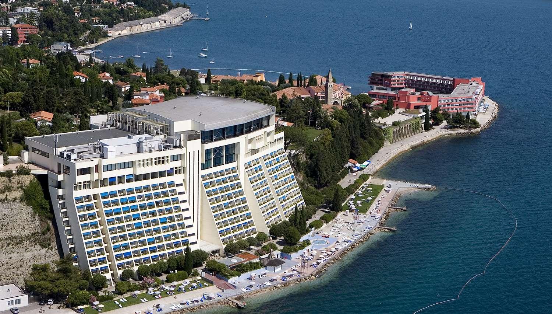Grand Hotel Bernardin (, Slovēnija)