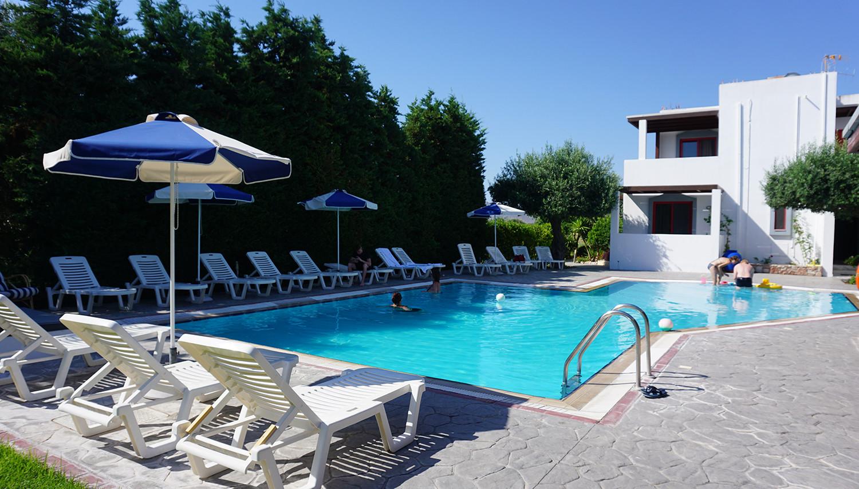 Triantafillas Apartments (Rodas sala, Grieķija)