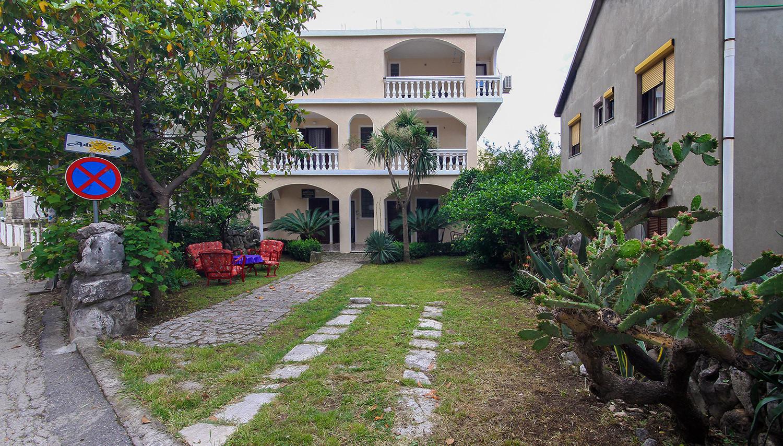Adrovic Apartments (Tivat, Melnkalne-Horvātija)