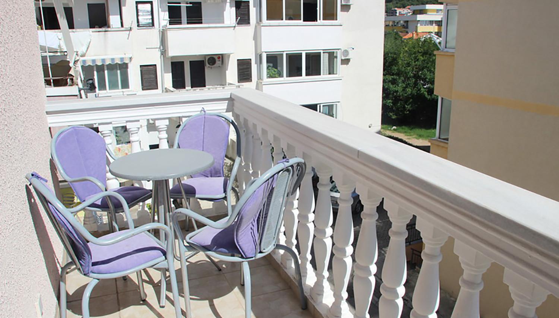 Glomazic apartemendid (Tivat, Montenegro – Horvaatia)