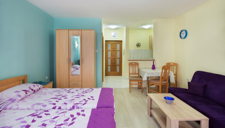 Dubravka apartemendid (Tivat, Montenegro – Horvaatia)