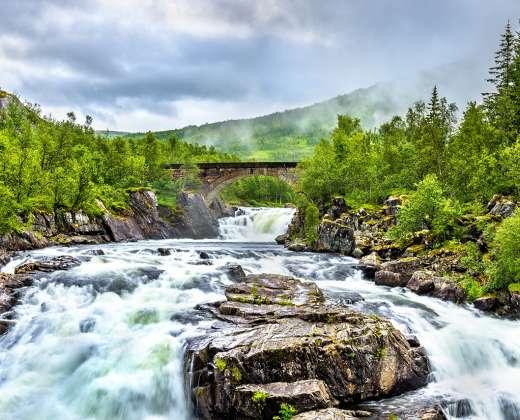 Norvegija. Voringsfoso krioklys
