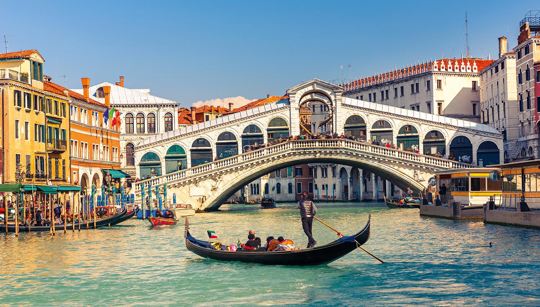 Italija. Venecija. Rialto tiltas