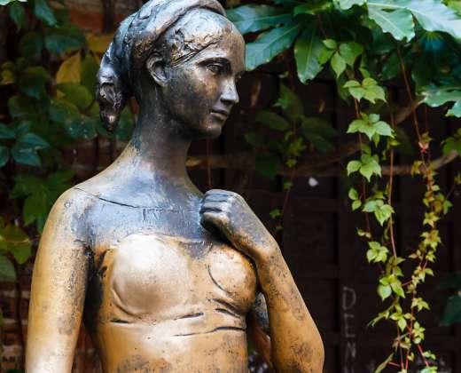 Italija. Verona. Džiuljetos skulptūra