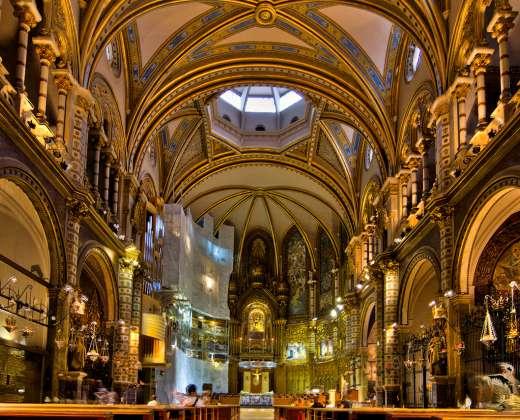 Ispanija. Montserato bazilikos vidus