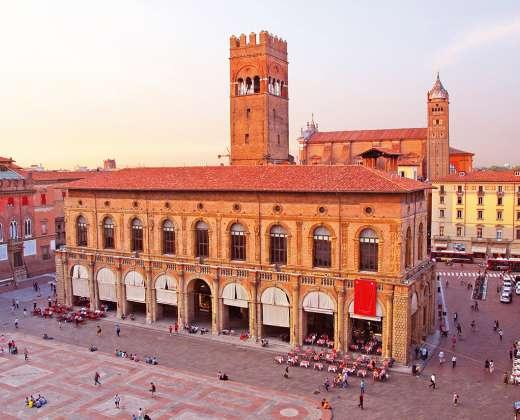 Italija. Bolonija. Didžioji aikštė