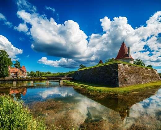 Estija. Saremos sala. Kuresarės pilis