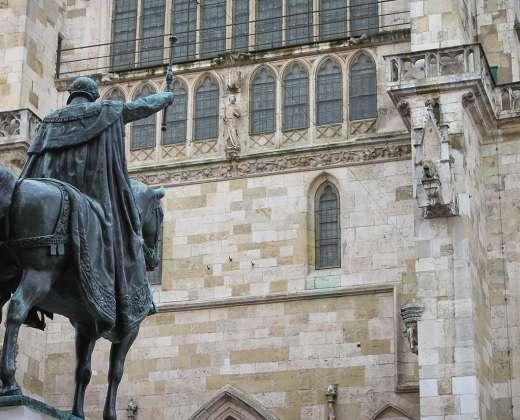 Vokietija. Rėgensburgas. Karaliaus Liudviko statula prie miesto Katedros