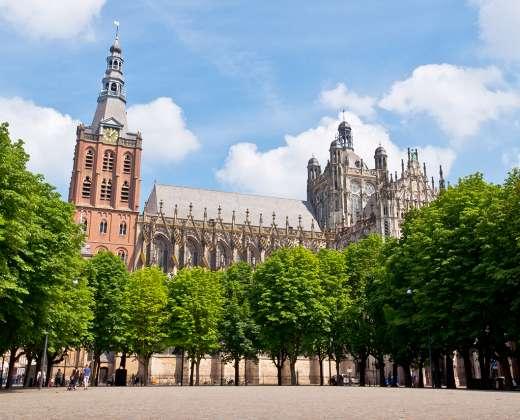 Olandija.  Hertogenbosho Katedra.