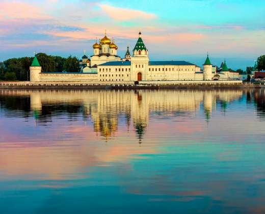 Kostroma. Ipatijaus vienuolynas