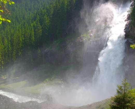 Austrija. Aukštutinio Tauerno nac. parkas. Krimlio krioklys