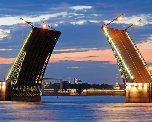 Pakeliamieji Sankt Peterburgo tiltai