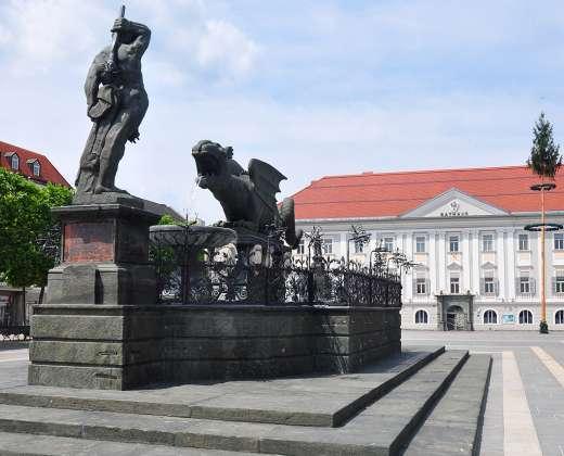 Austrija. Klagenfurtas. Drakonui skirtas fontanas