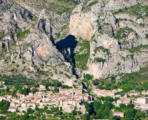 Prancūzija. Moustiers -  de Sainte Marie kaimas