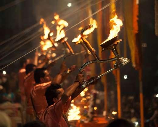 Indija. Aarti ugnies ritualas