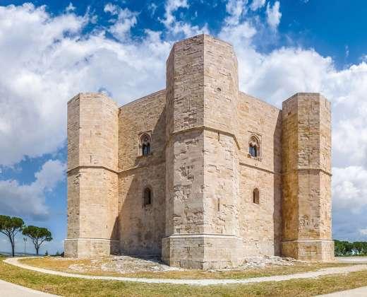 Italija. Castel del Monte pilis