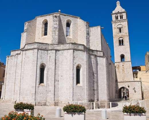 Italija. Barletos katedra