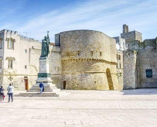 Italija. Otranto miesto pilis