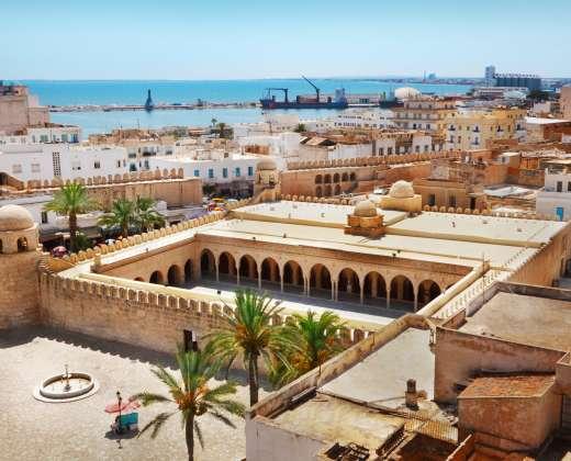 Tunisas. As Susas